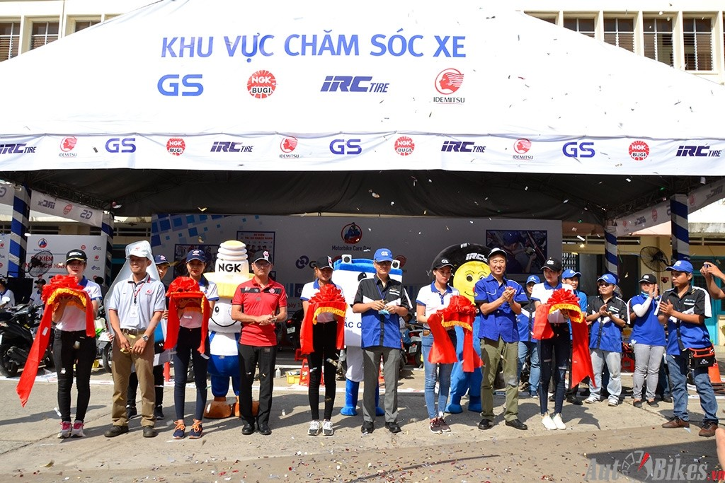 """IRC Việt Nam cùng NGK, GS, IDEMITSU đã đến với thành phố biển Nha Trang. """"Ngày hội chăm sóc xe máy"""" vào ngày 03-04/06/2017."""